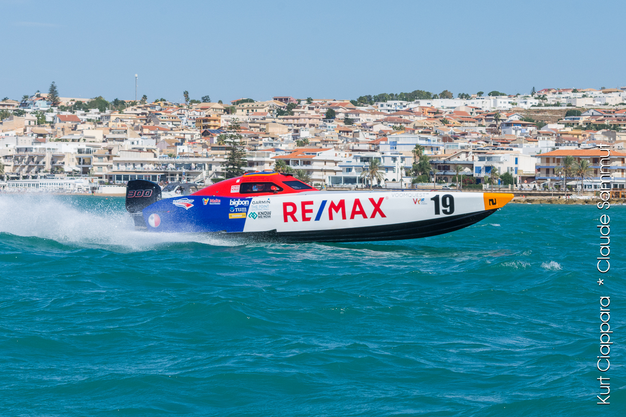 ICARUS Sports Completes Successful Season With VOOMQUEST Enemed UIM V2 World Powerboat Champion